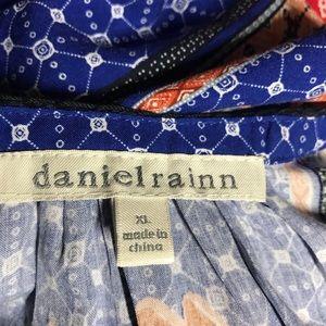 Daniel Rainn Tops - DANIEL RAINN Sleeveless Tie Neck Top, Size XL